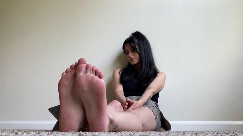 Penelopes Size Small Feet