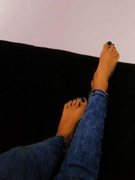 Vanessa foot model