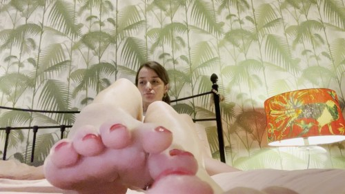 Worship Christinas Perfect Feet