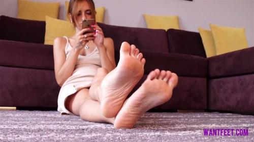 Pollys Petite Feet