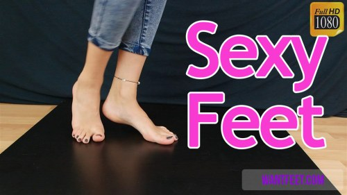 Sophia is Modeling her Sexy Feet and Toes