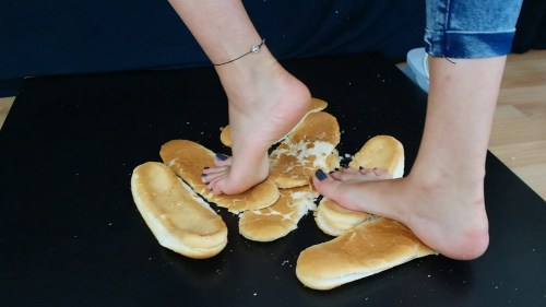 Sophias Bare Feet Sandwich Bread Crush