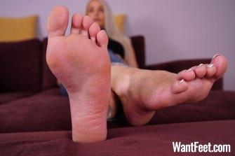 jasmine foot model