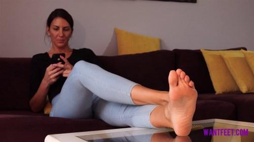 Amazon Sidney Big Feet