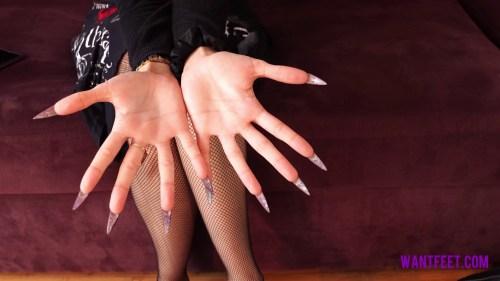 Jasmines Dangerous Nails