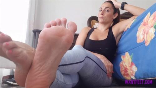 Darlas Sweaty Feet After Workout