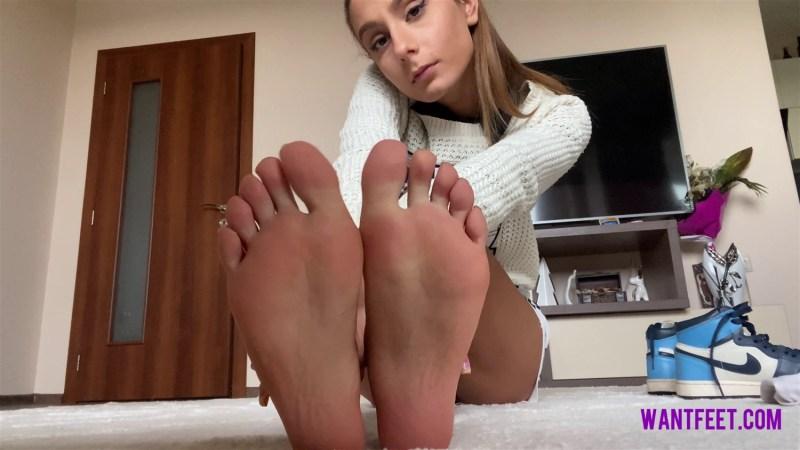 Worship My Sweaty Feet