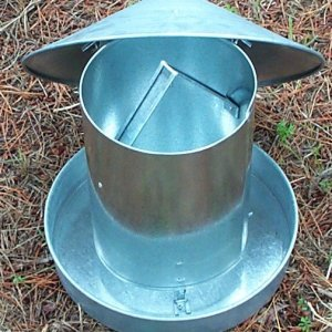 5 KG metal feeder with China hat