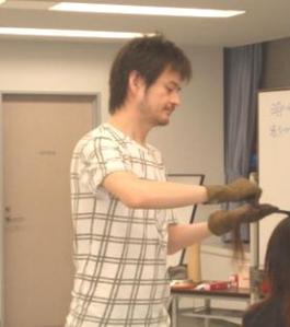 講習会講師紹介堀崎さん