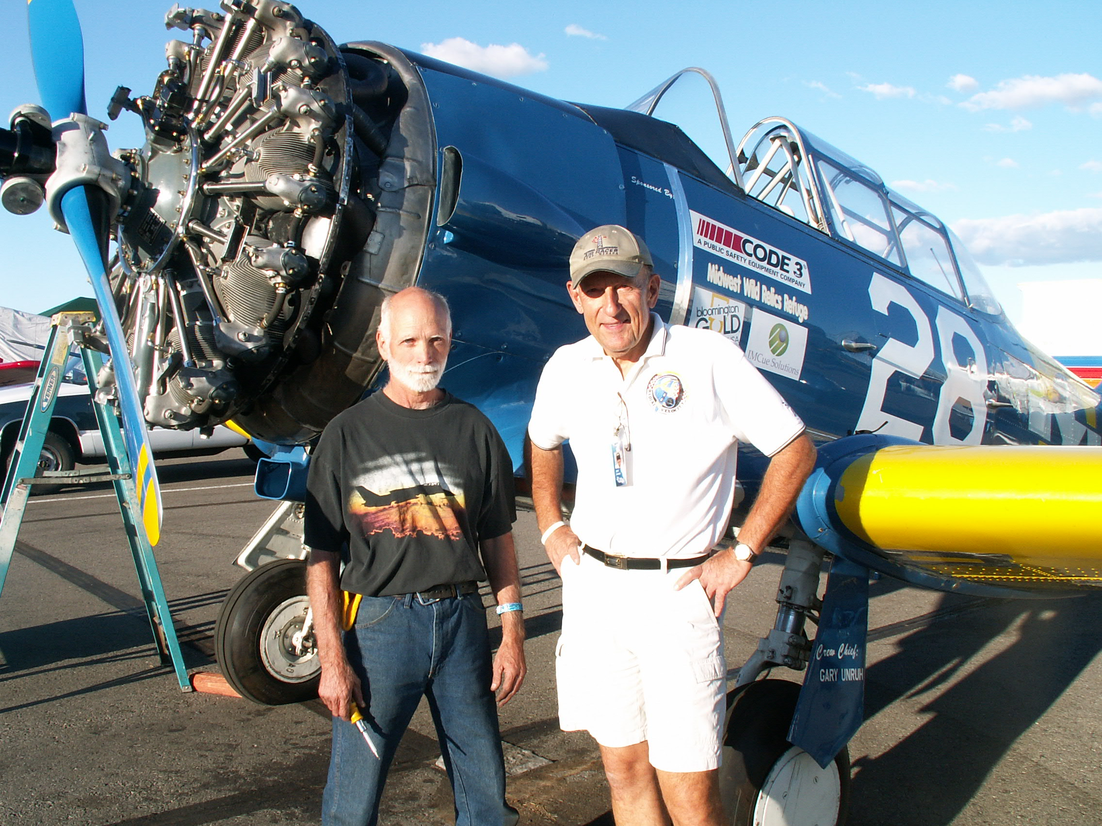 Crew Chief Gary Unruh & Owner/Pilot John Lohmar