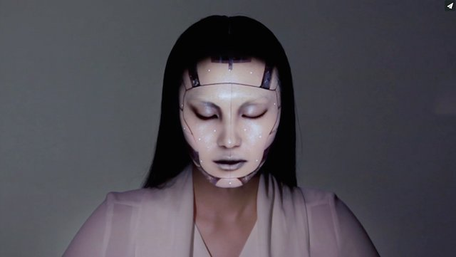 Random Video: Omote / Real-Time Face Tracking & Projection Mapping
