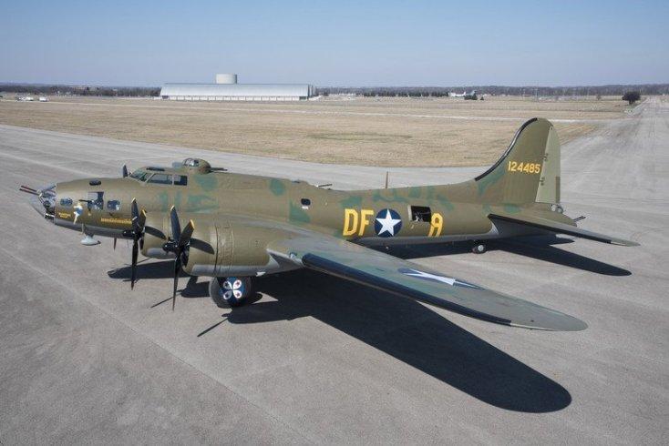 COBI B-17 Memphis Belle National museum