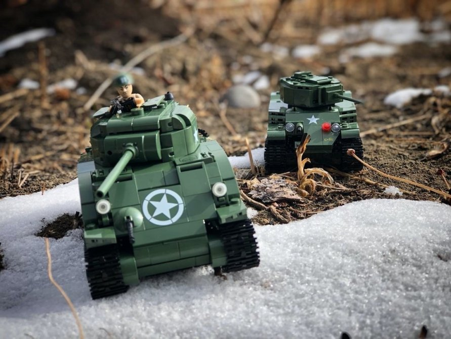 Cobi Sherman and Stewart Tank Warbricks