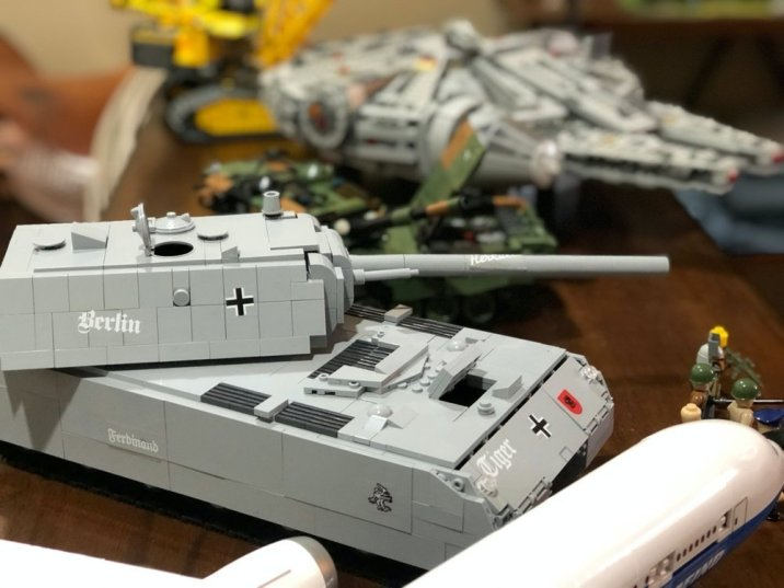 COBI Layered Approach VS LEGO