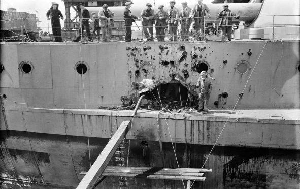 COBI HMS Warspite Battleship (4820) Battle Damage