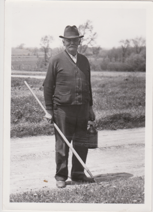 William M Murray at theMurray Farm in Montezuma, NY, photo courtesy B. Staehr