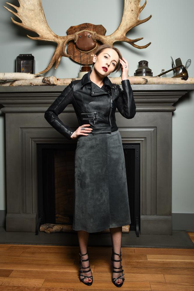Gabi is wearing - vintage suede skirt, Maska Mode leather jacket, Zara sandals and H&M stockings.