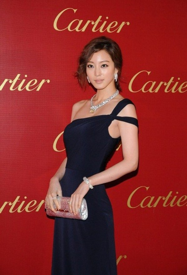 WTFSG-cartier-opens-asian-flagship-boutique-hong-kong-Leslie-Kim