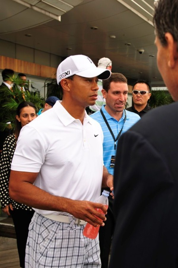 WTFSG_tiger-woods-marina-bay-sands-singapore_2
