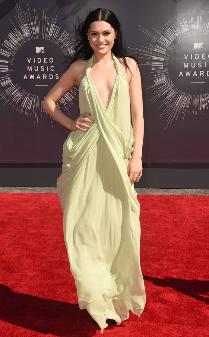 WTFSG-mtv-vma-red-carpet-jessie-J