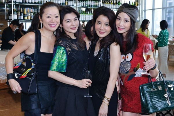 WTFSG_flower-diamond-celebrates-18th-anniversary_Serene-Sorensen_Doris-Lu_Wendy-Wang_Angelina-Choo