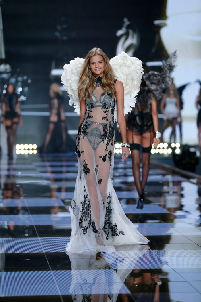 WTFSG_victorias-secret-new-angels-2015_kate-grigorieva