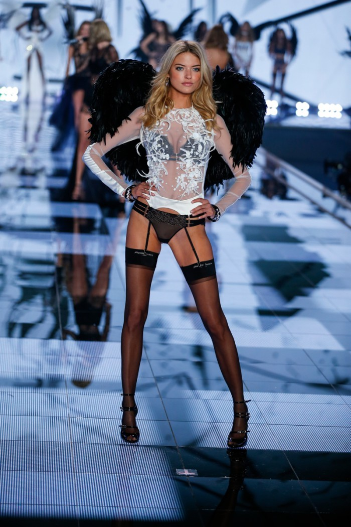 WTFSG_victorias-secret-new-angels-2015_martha-hunt