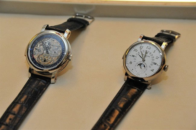 WTFSG_patek-philippe-chronographs-exhibition-singapore_8