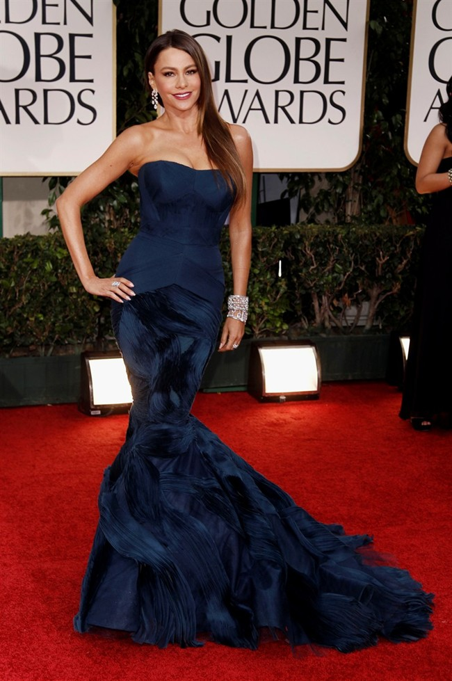 WTFSG_sofia-vergara-dons-5m-harry-winston-jewelry-at-golden-globes-2012_1