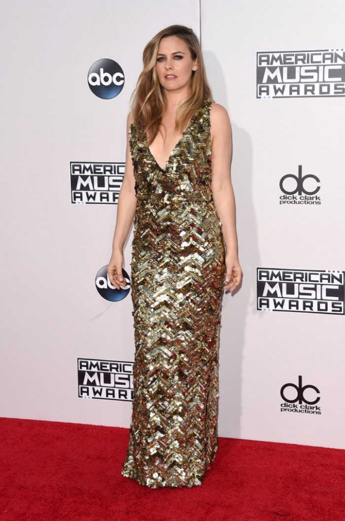 WTFSG_Alicia-Silverstone-2015-American-Music-Awards-Gold-Dress