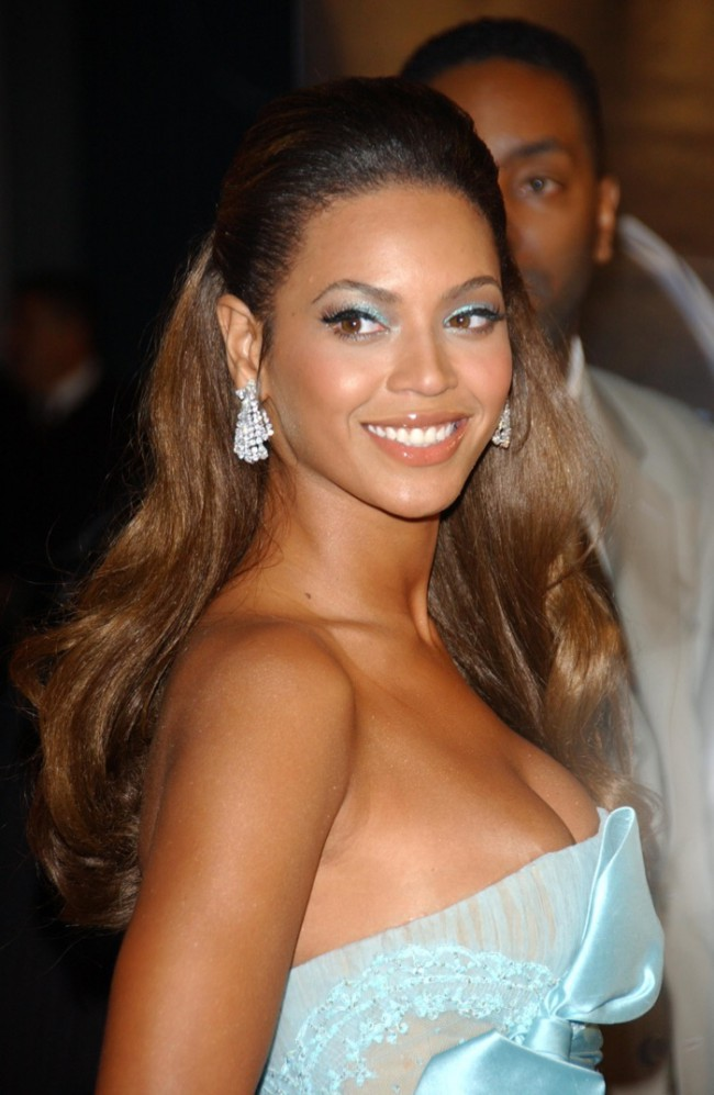 WTFSG_Beyonce-Hair-Half-Up-Half-Down