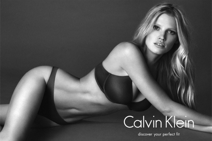 WTFSG_lara-stone-black-white-ck-ads