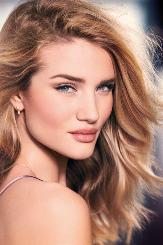WTFSG_Rosie-Huntington-Whiteley-Autograph-Makeup_1