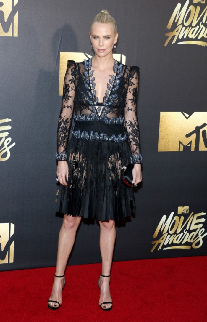 WTFSG_2016-MTV-Movie-Awards_Charlize-Theron-Black-Alexander-McQueen-Dress