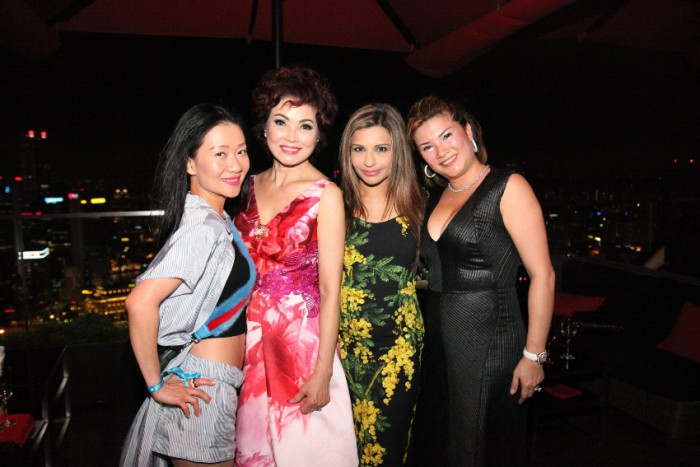 world-diamonds-christmas-party-ce-la-vi-singapore_13