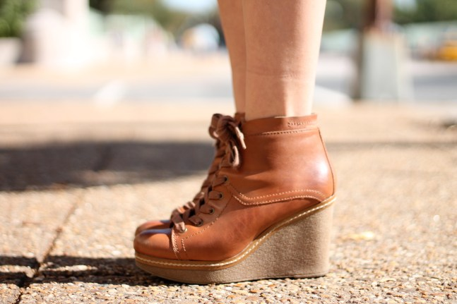 https://wardrobevibrancy.wordpress.com/2013/11/20/high-heeled-hope/