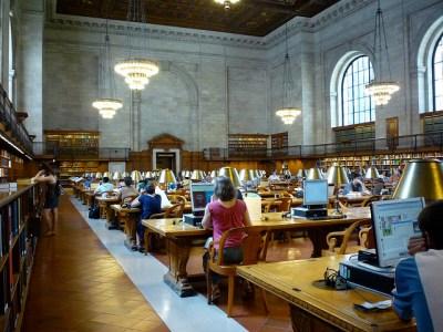 NYPL Rose Main Reading Room (foto Teri Tynes, Flickr, cc-by 2.0)