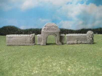 15mm Terrain: TRF368 Stone Courtyard Gate and Walls