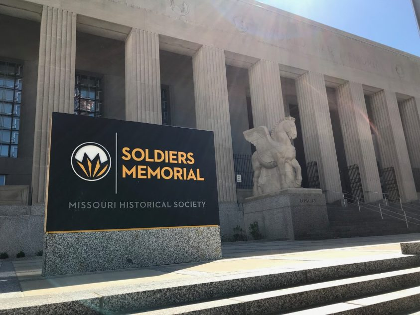 Exterior of the St. Louis Soldiers Memorial.