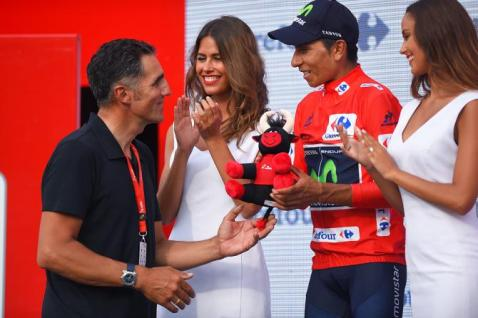 Miguel Induráin en el podio de Urdax
