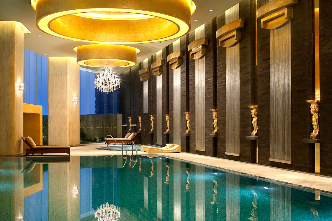 Accentuate The Brilliance Of Swimming Pool Wall Lights