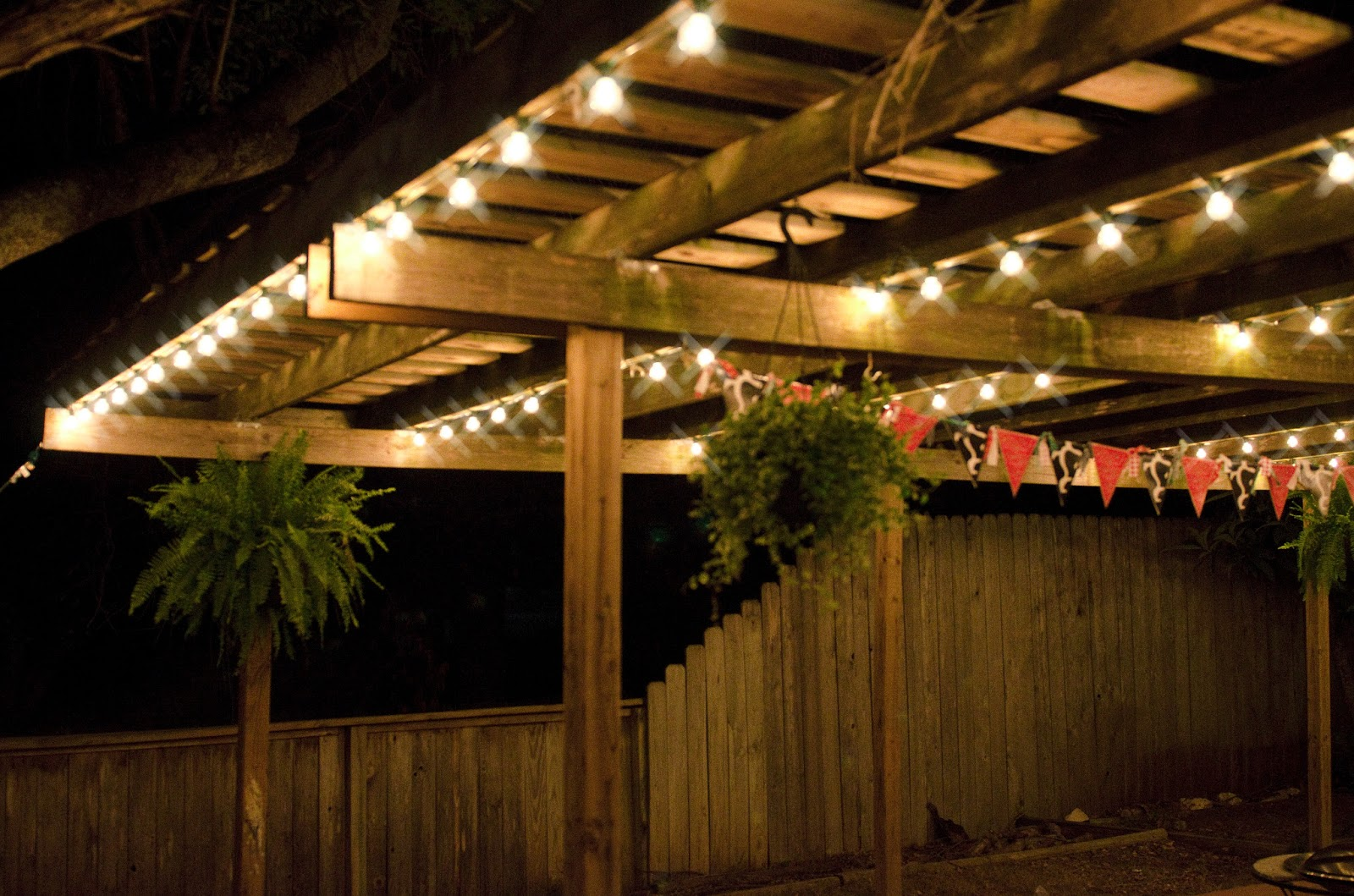 Decorative string lights outdoor - 25 tips by Making Your ... on Backyard String Light Designs id=12769