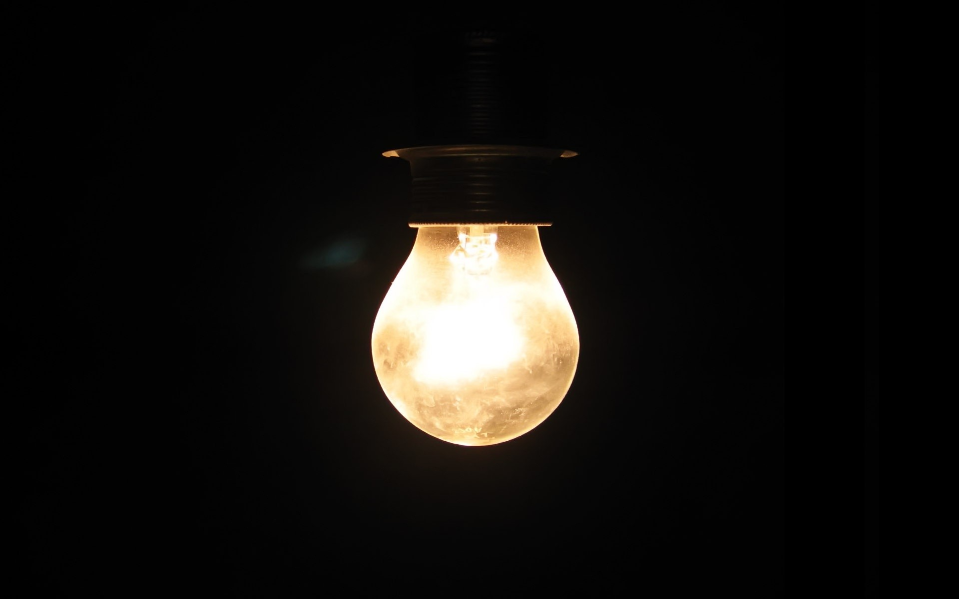Light Bulb Wall Warisan Lighting