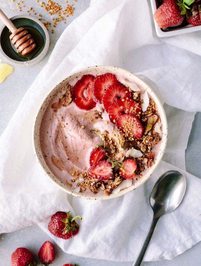 Strawberry Probiotic Smoothie Bowl — warmandrosy.com