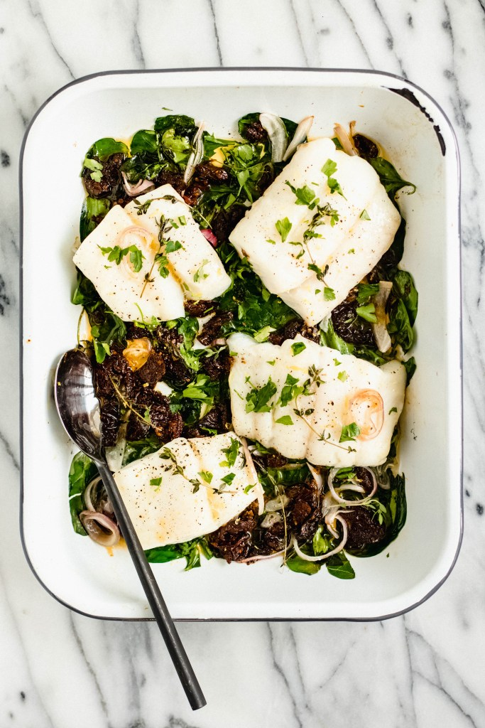 Baked Cod with Spinach, Shallots + Sun-dried Tomatoes — warmandrosy.com