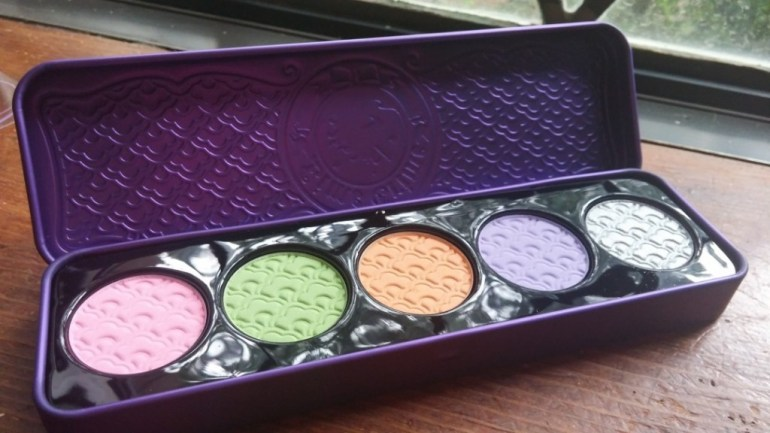 D'antoinette palette and it's gorgeous. The colors are more matte and such pretty pastels.