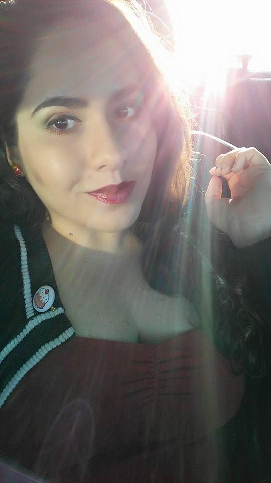 My face rocking the Alchemy palette. The sun was approving my eyeshadow choice so intensely that it had to sparkle sparkle my pic.