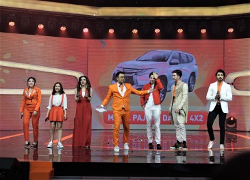 Shopee 9.9 Super Shopping Day - Prilly Latuconsina & Maxime Bouttier