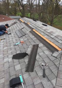 roofing team at work