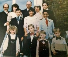 old-80s-family-photo